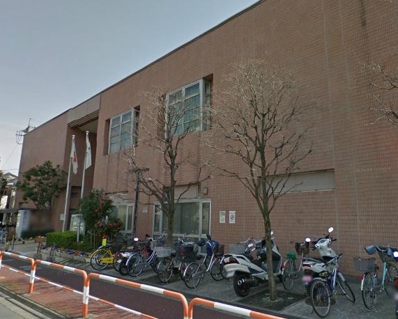 図書館:足立区立鹿浜図書館 454m