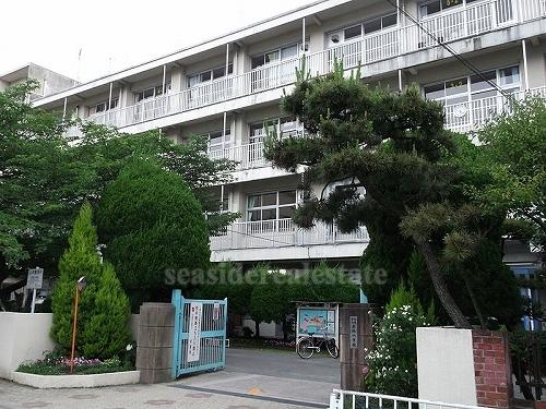 小学校:赤坂小学校 280m