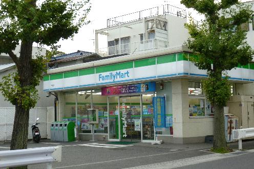 コンビ二:ファミリーマート 大磯店 350m