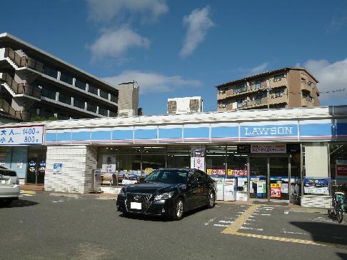 コンビ二:ローソン 吹田千里山東四丁目店 285m