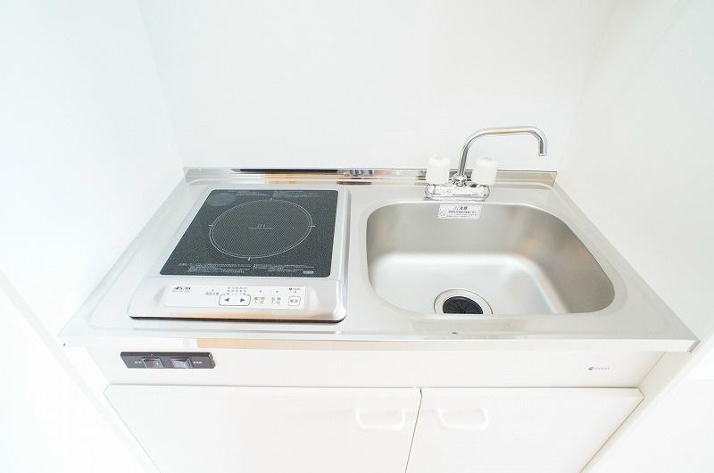キッチン(熱効率が良く、立上がリの早さ・強い火力が得られるIHクッキングヒーター)