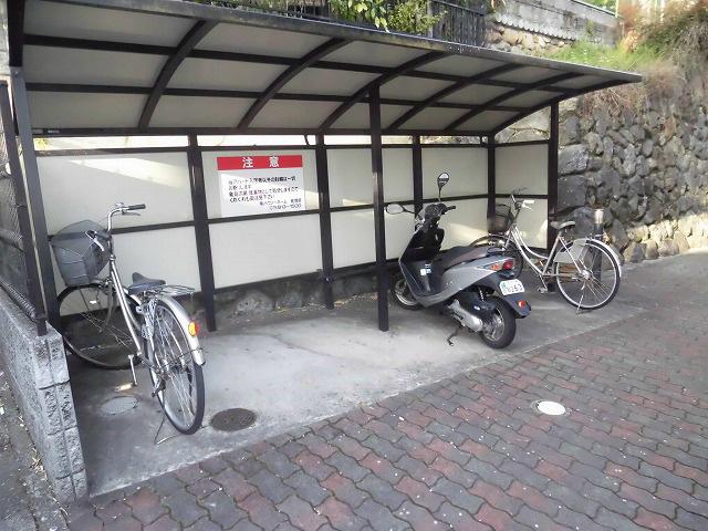 大型バイク駐輪可能です。