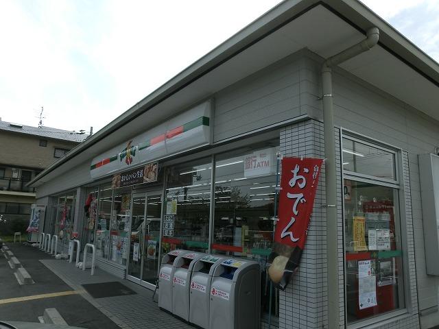 コンビ二:サンクス西賀茂店 609m