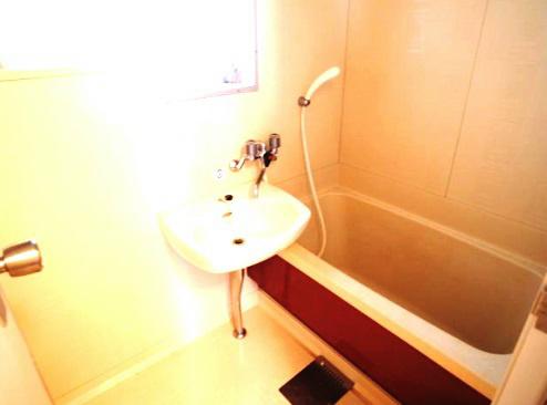 浴室 わりかし広めです。