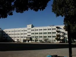 小学校:江戸川区立上一色小学校 411m