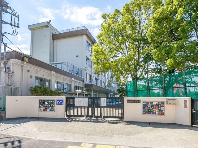 小学校:江戸川区立篠崎第五小学校 424m