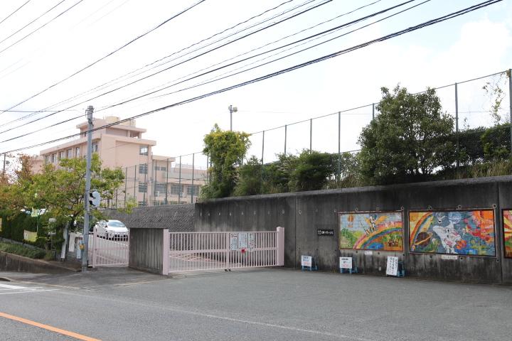 小学校:香椎下原小学校 1400m