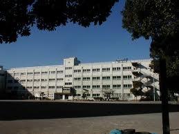 小学校:江戸川区立上一色小学校 680m
