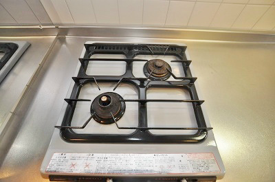 自炊派さんに嬉しい2口ガスコンロ付システムキッチン