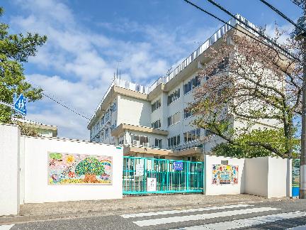 小学校:江戸川区立松本小学校 469m