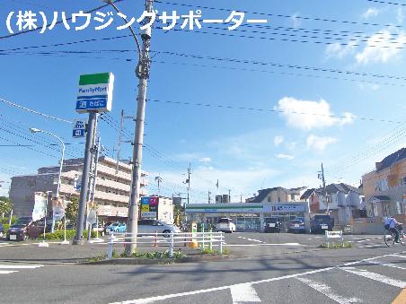 コンビ二:ファミリーマート 八王子横川町店 658m