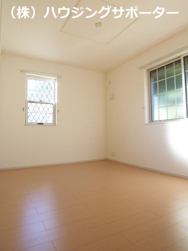 奥の居室も2面採光です