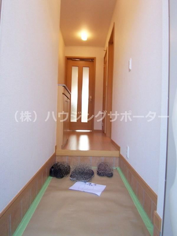居室手前のホールに脱衣室・浴室があります!