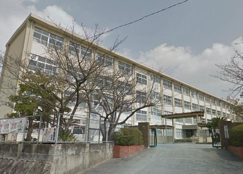 小学校:鶴田小学校 364m 近隣