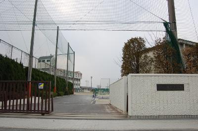 中学校:青葉中学校 1500m