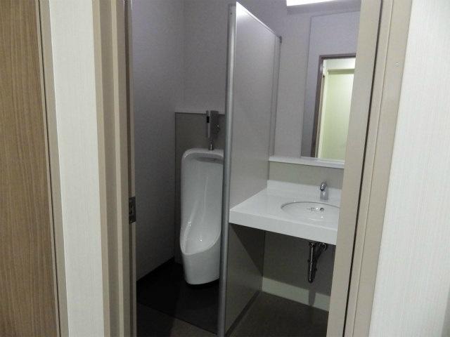 共同トイレ(男子トイレ・女子トイレあり)