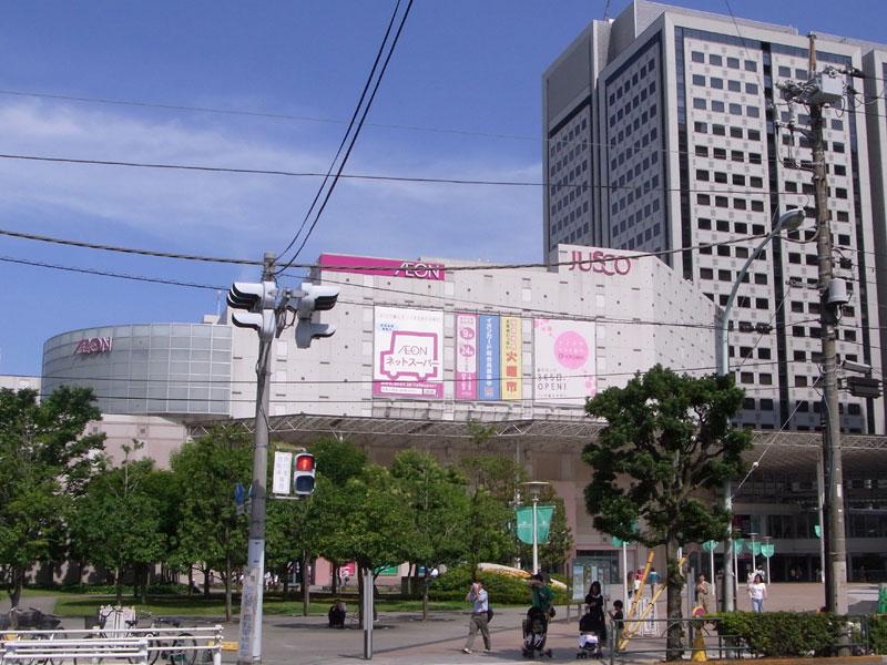 ショッピング施設:品川インターシティ ホール 1118m
