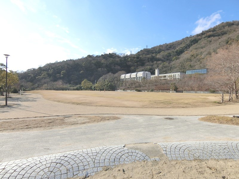 灘丸山公園(約270m)