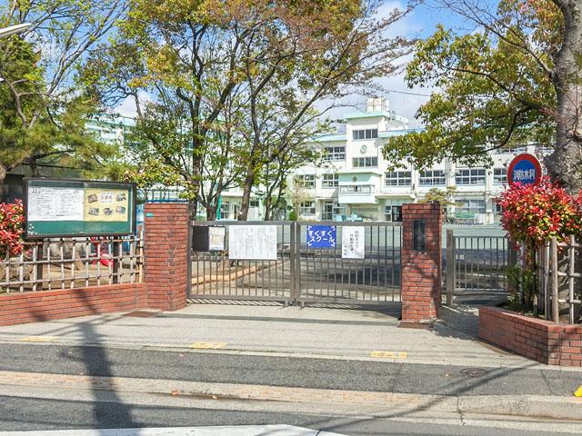 小学校:江戸川区立上小岩小学校 335m