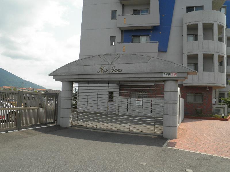 シャッターゲート付き駐車場