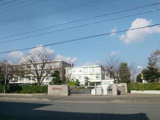 小学校:浜松市立葵が丘小学校 604m