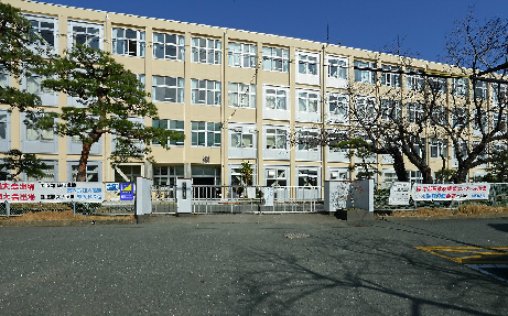 中学校:市立高台中学校 2700m