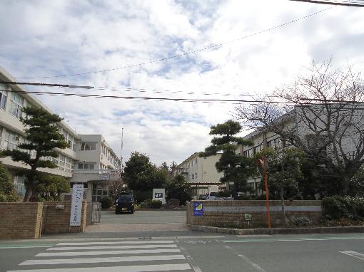 中学校:浜松市立蜆塚中学校 1560m