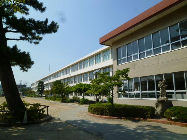 小学校:浜松市立曳馬小学校 1265m