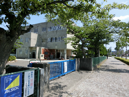 小学校:浜松市立県居小学校 464m 近隣