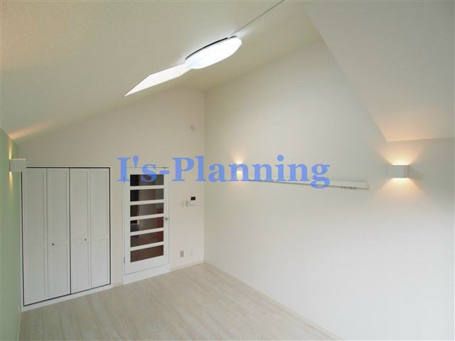 天井高3.5mの洋室