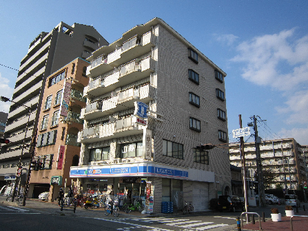コンビ二:ローソン 津門大塚町店 192m
