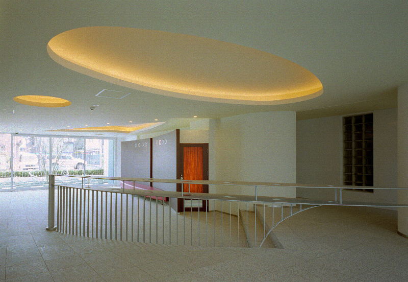 エントランスホール