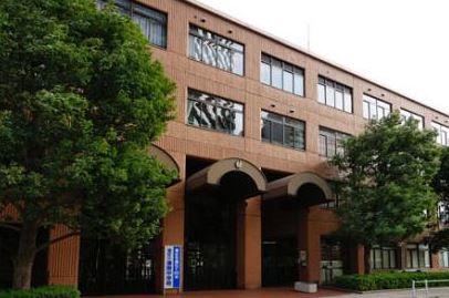 中学校:港区立港南中学校 1482m