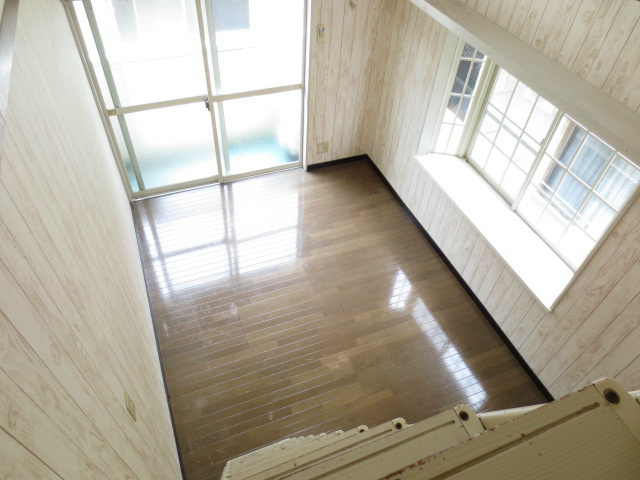 ロフトからお部屋を見渡せます