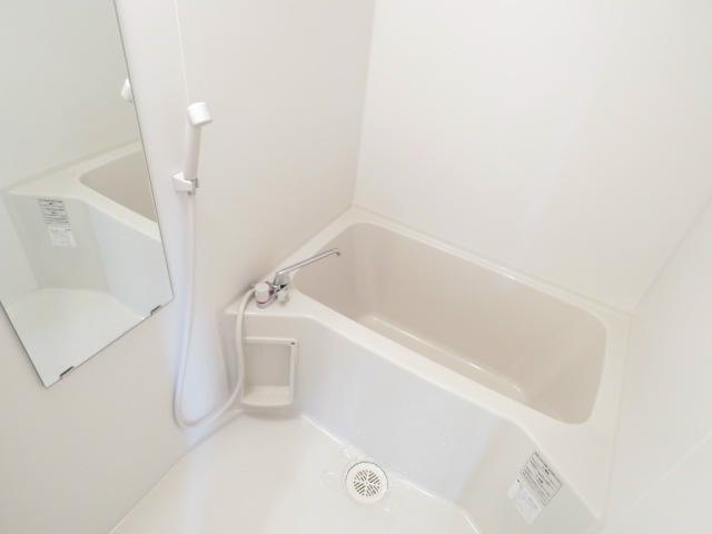 浴室乾燥機付き。