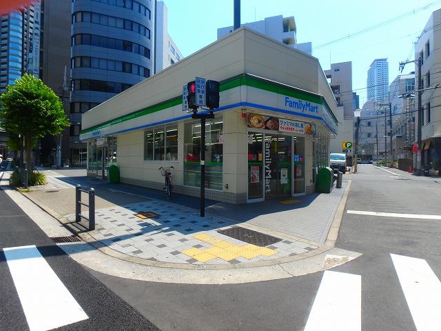 コンビ二:ファミリーマート 北浜一丁目店 677m