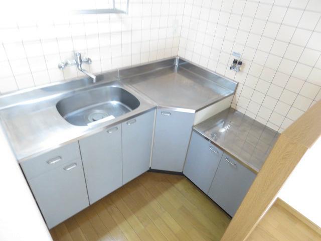 L型キッチン。
