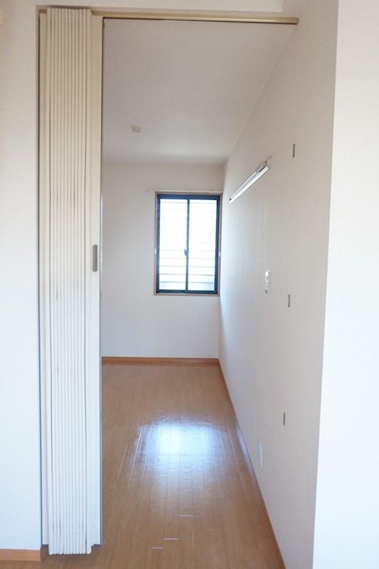 洋室お隣の小部屋です