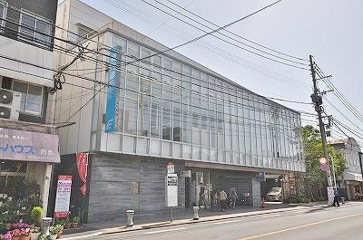 銀行:福岡銀行折尾支店・ 1070m 近隣