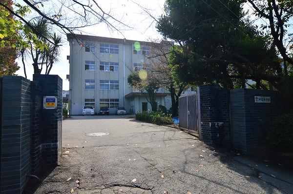 中学校:平尾中学校 1800m