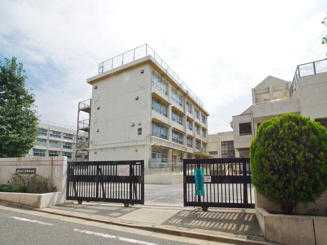 中学校:練馬区立貫井中学校 1219m
