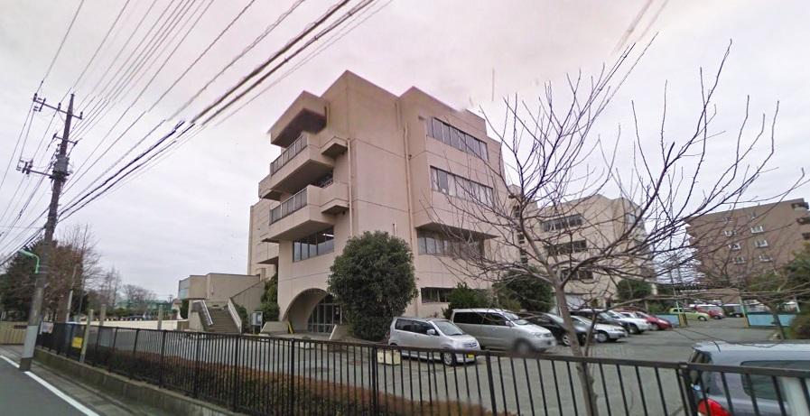 小学校:三郷市立早稲田小学校 907m