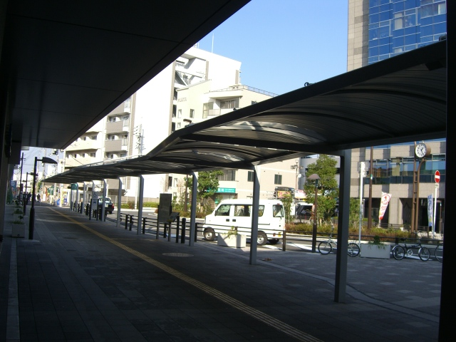 公共施設:高井田駅 800m