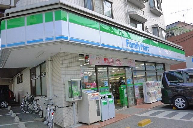 コンビ二:ファミリーマート 石神井銀座通り店 329m