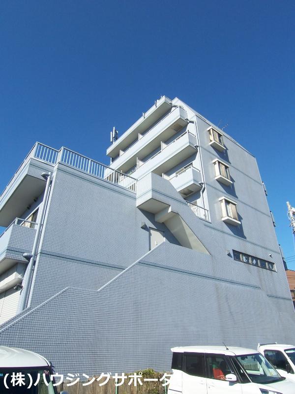 6階建てマンションです