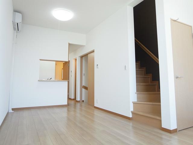 新生活を始めるにはこんなお部屋がいいですよね。