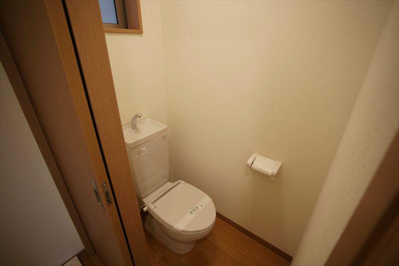 落ち着きのあるトイレルームです。