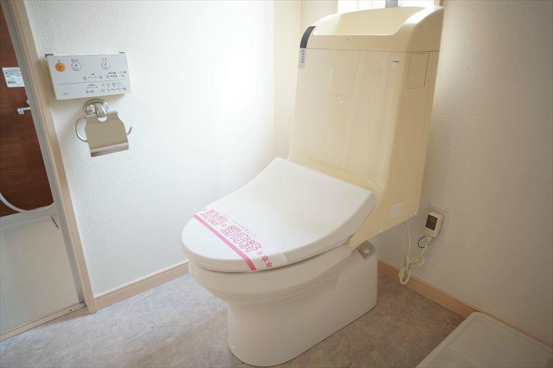 ウォシュレット付のトイレになります。