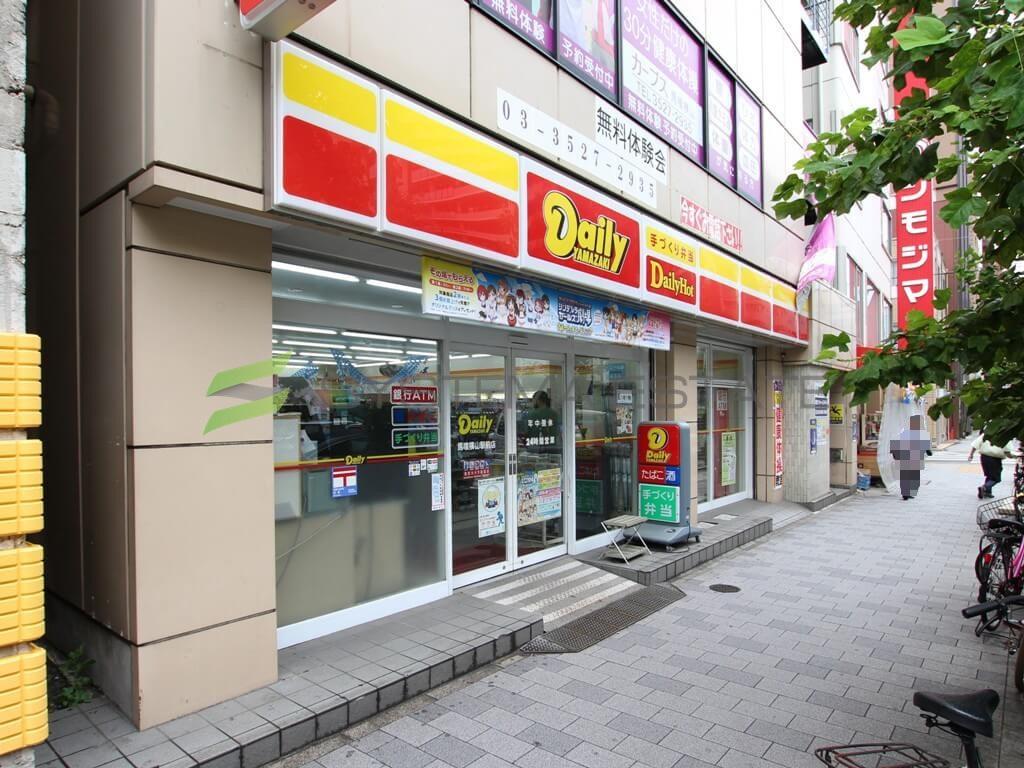 コンビ二:デイリーヤマザキ 馬喰横山駅前店 123m