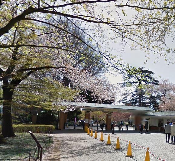 公園:新宿御苑(千駄ヶ谷門) 989m